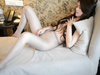 Stockings high-heeled Chinese car model wet pussy Ye Tong