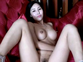 Chinese girl dansing