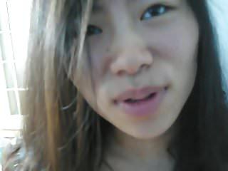 jeune esclave soumise chinoise docile